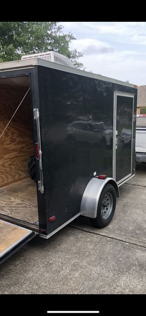 Enclosed trailer with A/C 6x10 for Sale in Alvin, TX