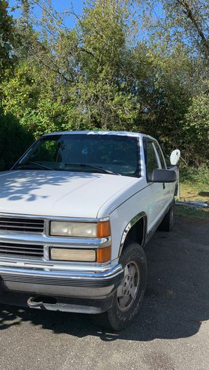 1998 Chevy Silverado Z71 with towing package for Sale in Port Orchard, WA