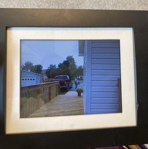 Digital picture frame (Gigaware) for Sale in Mechanicsburg, PA