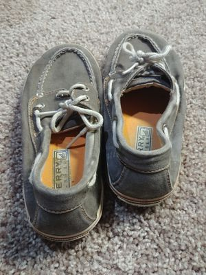 Sperry taupe color SZ 1.5 kids loafers for Sale in Walkersville, MD