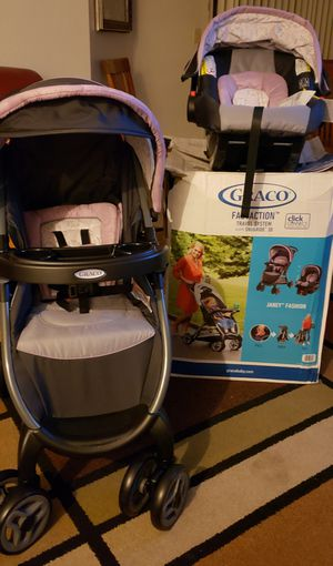 GRACO FAST ACTION TRAVEL SYSTEM SNUGRIDE 30 for Sale in Modesto, CA