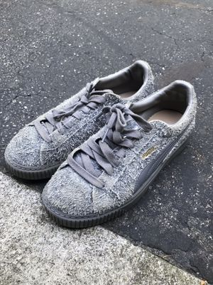 PUMA FUZZY PLATFORM SNEAKERS for Sale in New Albany, OH