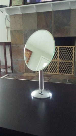 Pretty Vanity Mirror for Sale in Salt Lake City, UT