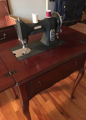 White brand sewing machine 1977 for Sale in Washington, DC