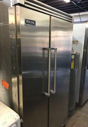 "Viking Professional 48"" Built In Fridge for Sale in Hemet, CA"