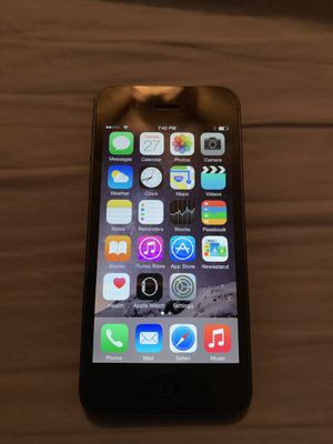 Black apple iPhone 5 great condition for Sale in Lawrenceville, GA