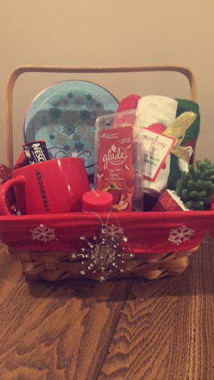 Gift basket for Sale in Dearborn Heights, MI