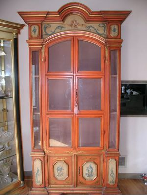 Italian Antique Furniture China Showcase. Display Cabinet. for Sale in Edison, NJ
