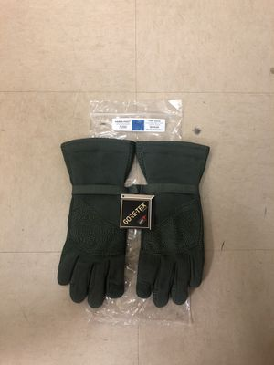 Cold Weather Gore-Tex Flyer Gloves for Sale in Tacoma, WA