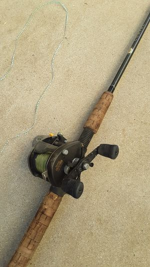 Shimano Bantam 1500lc. Compre pole for Sale in Perris, CA