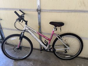 Mountain bike for Sale in Lockport, IL
