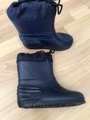 Kids blue snow boots size 13 for Sale in Irvine, CA