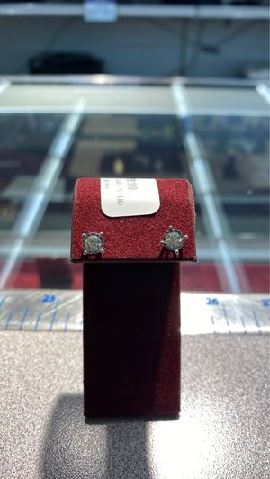 Diamond Stud Earrings 14k 1.2grams for Sale in Houston, TX