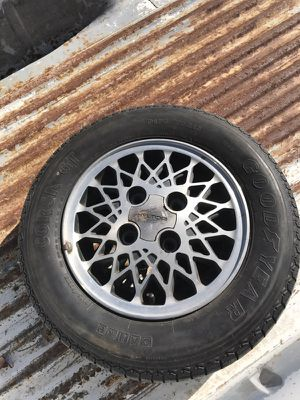 Hyundai wheel and tire for Sale in Scottsdale, AZ