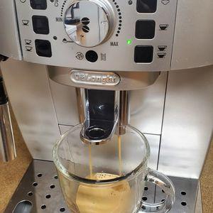 Delonghi Magnifica Espresso Machine for Sale in Tacoma, WA