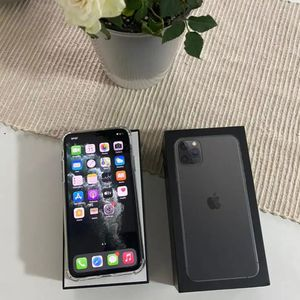 iPhone 11 Pro Max 256gb Unlocked for Sale in Menlo Park, CA