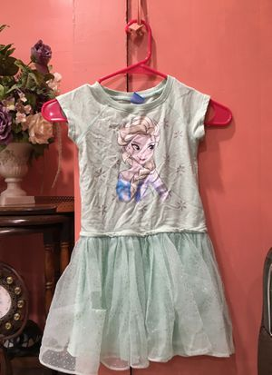 Kids clothes size 5 for Sale in Dearborn, MI
