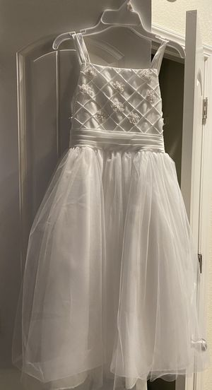 Brand new with tag size 10 in girls, white flower girl/first communion dress for Sale in Merced, CA