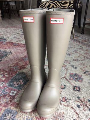 BRAND NEW Hunter Rain Boots size 6 for Sale in Alexandria, VA