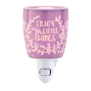 Scentsy Enjoy the Little Things Night Light for Sale in Houston, TX
