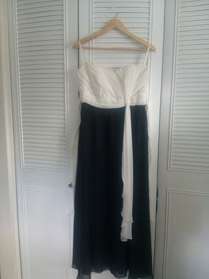 Black and white dress ... for Sale in Herndon, VA