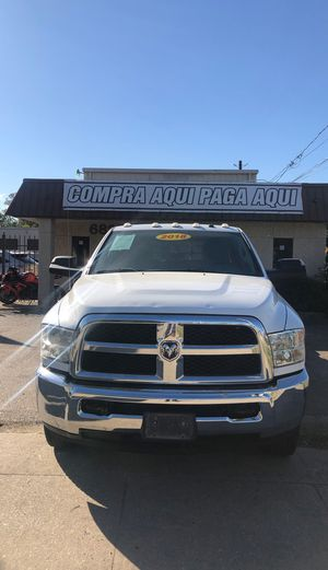 2018 Ram 3500 crew cab flatbeds 4WD one owner for Sale in Houston, TX