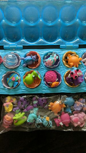 24 hatchimals and large egg tray for Sale in Victoria, TX