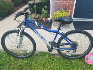Bike giant boulder. for Sale in Galloway, OH