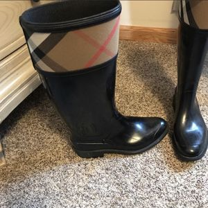 Burberry Boots for Sale in Oak Lawn, IL