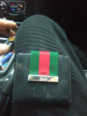Legit gucci wallet condition 7 - 10 for Sale in Malden, MA