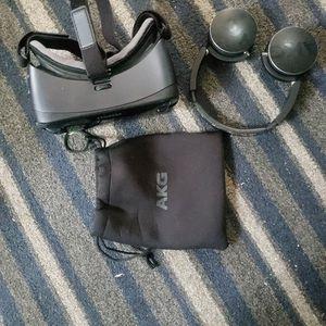Gear Vr And Akg Head Phones for Sale in El Cajon, CA