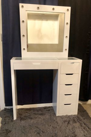 Glass top vanity worn mirror for Sale in Phoenix, AZ