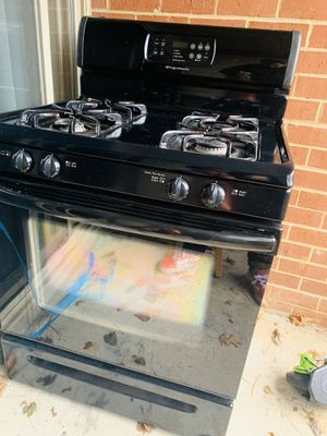 Frigidaire Gas Stove for Sale in Laurel, MD