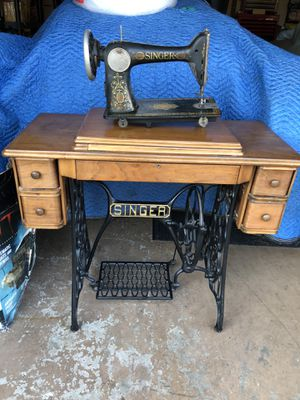 1910 singer sewing machine for Sale in Bolingbrook, IL