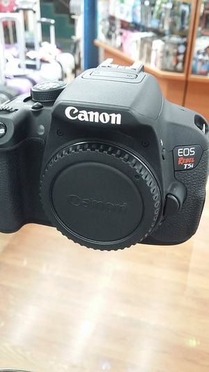 CANON EOS REBEL T5i 18.0MP 5.0FPS FOR SALE TODAY!!!! for Sale in Miami Beach, FL