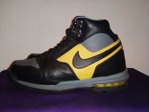 Nike boots size 10 men's for Sale in Riverside, CA