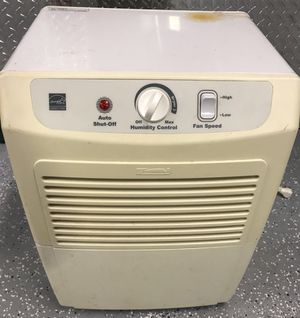 Kenmore 35 Pint Dehumidifier for Sale in Hyattsville, MD