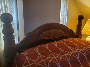 Solid Wood Bed frame (Queen) for Sale in Brooklyn, OH