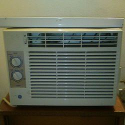 Air Conditioner General Electric 5,000 BTU for Sale in Cleveland,  OH