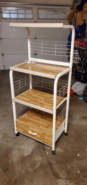 Microwave kitchen stand for Sale in Hawaiian Gardens, CA