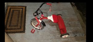 Tricycle Red Radio Flyer Rider Kids Bike Like New Sat in Garage Mostly Lots of Tred Left for Sale in Puyallup, WA