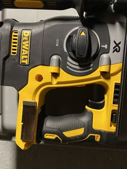 """DEWALT DCH273B 20V MAX 1"""" BRUSHLESS SDS PLUS ROTARY HAMMER - BARE TOOL for Sale in Brentwood,  MD"""