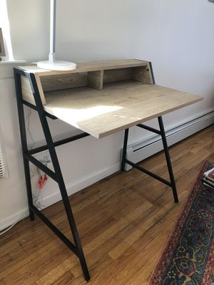 Simple Desk for Sale in Queens, NY