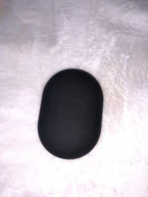 Beats headphones silicone case for Sale in Bellevue, WA