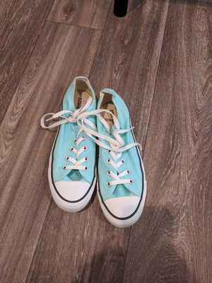 Converse women's size 7. for Sale in Tampa, FL