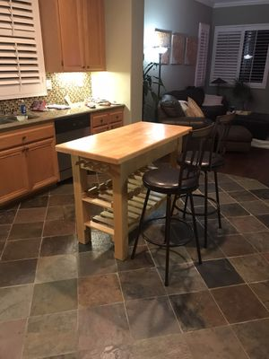 Kitchen island with wine rack & 2 chairs for Sale in Etiwanda, CA