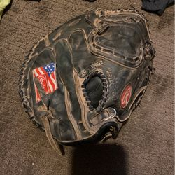 Rawlings catchers glove Good Condition Pickup Or Meet Up for Sale in Riverside,  CA
