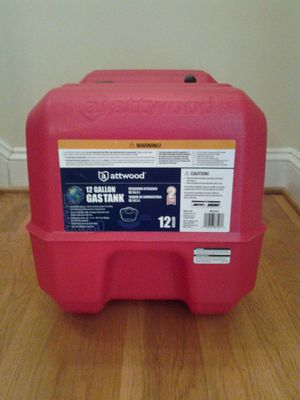 Attwood 8812LP2 12-gallon portable tank with high-flow fuel cap, red finish for Sale in Powhatan, VA