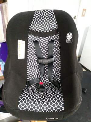 Rear facing and forward facing convertible car seat for Sale in Cornelius, OR