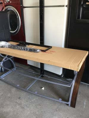 Tv stand cherry brown wood and metal up to 65 inch NEW for Sale in Fresno, CA